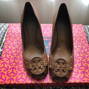 Tory Burch cassis Sally wedge